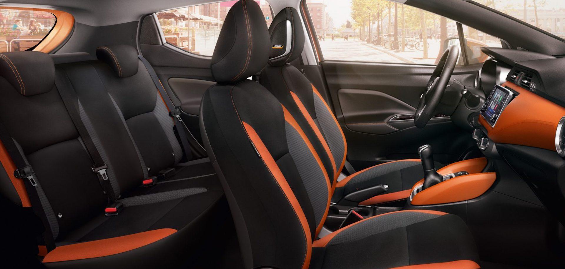 interior do Nissan Micra